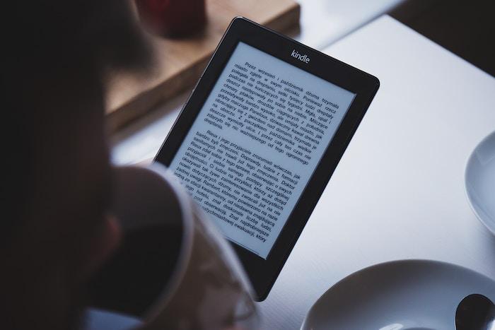 Ilustrar lectura en medios electrónicos
